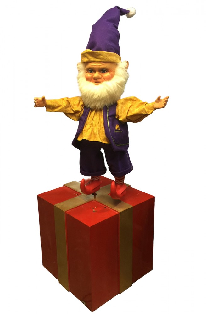 Animated Elf spinning on Gift Box